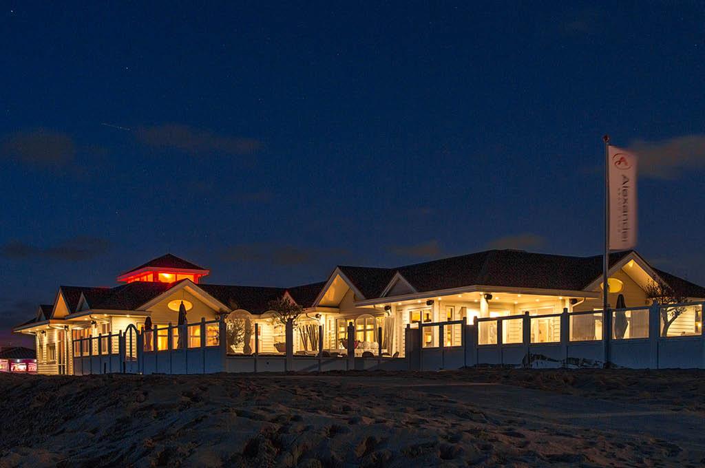 Bedrijfsuitjes en teamuitjes aan zee - Alexander Beach Club