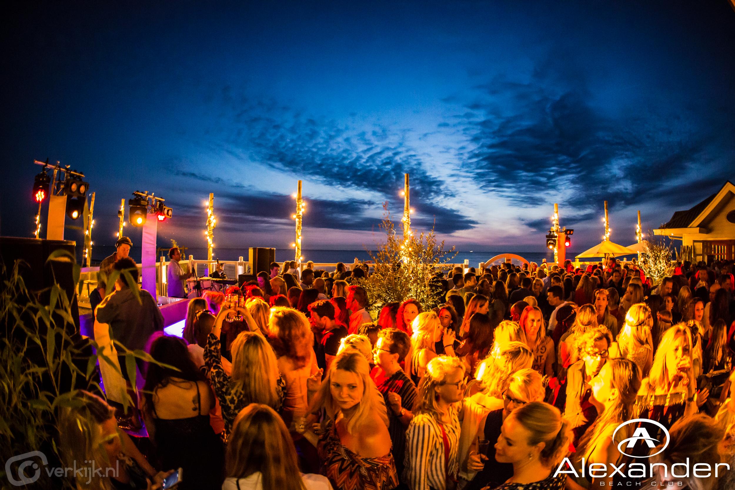 Je eigen borrel, feest of huwelijk bij Alexander Beach Club